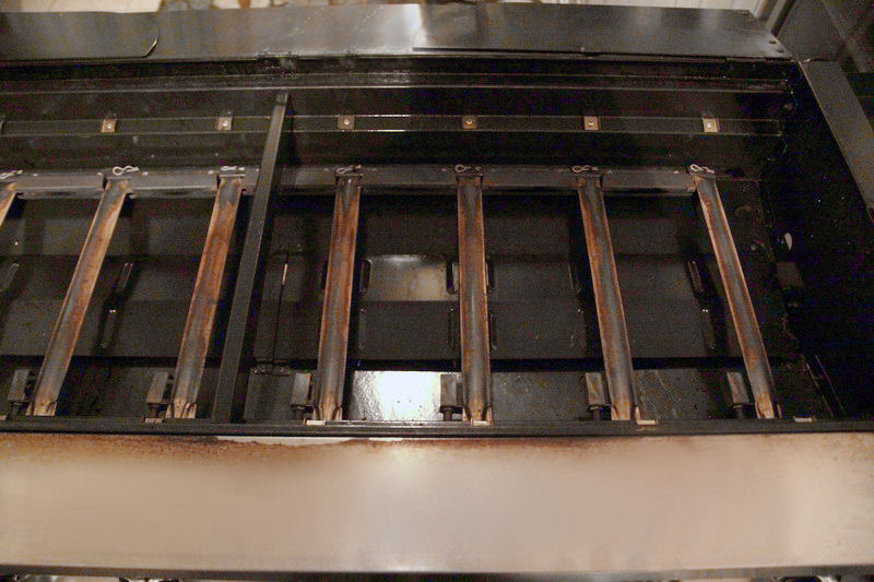 Outdoor-Grill-with-Grates-Fire-Guard-Removed